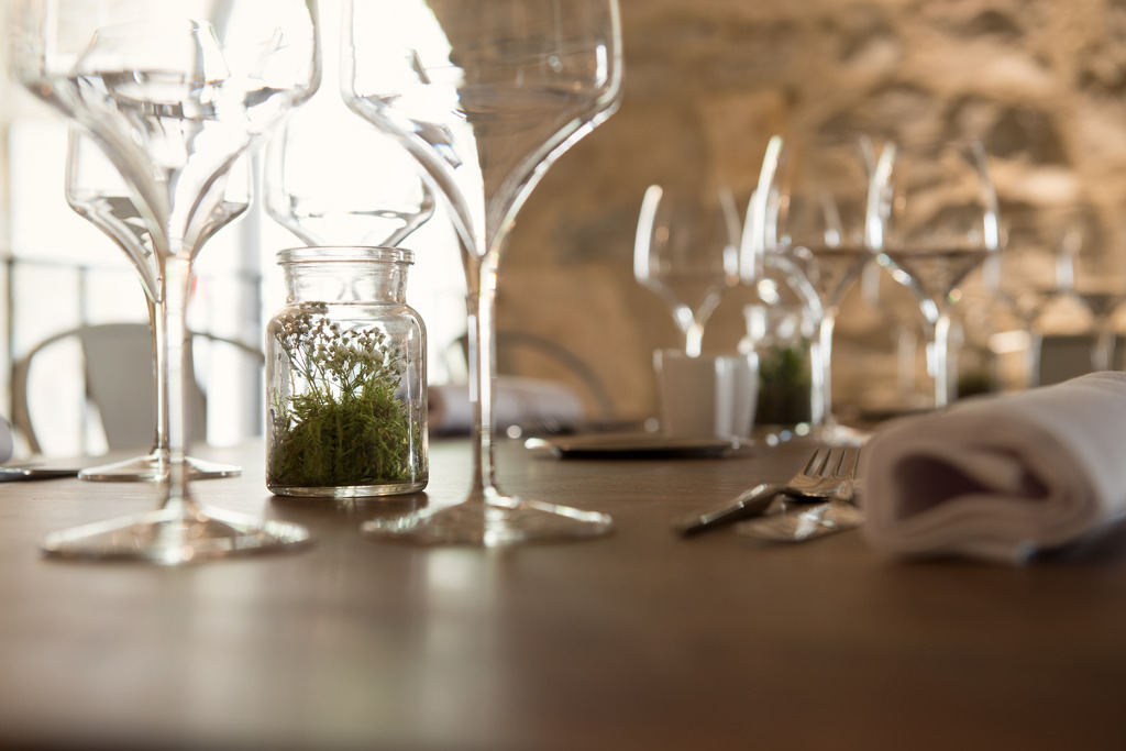 restaurant gastronomique n mes gard le m mas merlet. Black Bedroom Furniture Sets. Home Design Ideas